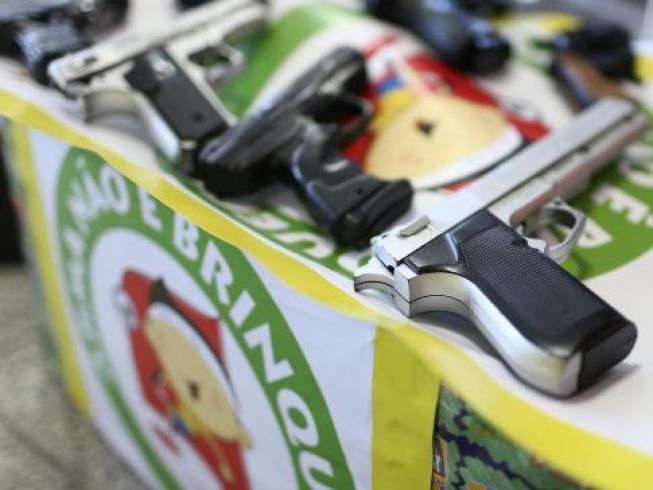Lei Armas de Brinquedo