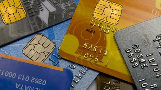 Conta salário: como abrir uma conta no banco mesmo tendo nome sujo?